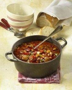 Das Rezept für Gulaschsuppe aus dem Ofen und weitere kostenlose Rezepte auf http://LECKER.de