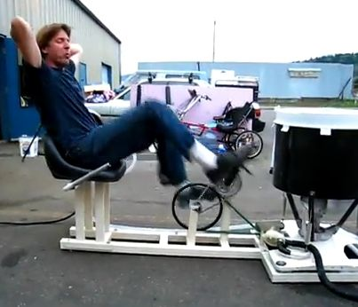 A Pedal Powered Washing Machine For Washing Clothes Off Grid - http://www.homesteadingfreedom.com/a-pedal-powered-washing-machine-for-washing-clothes-off-grid/