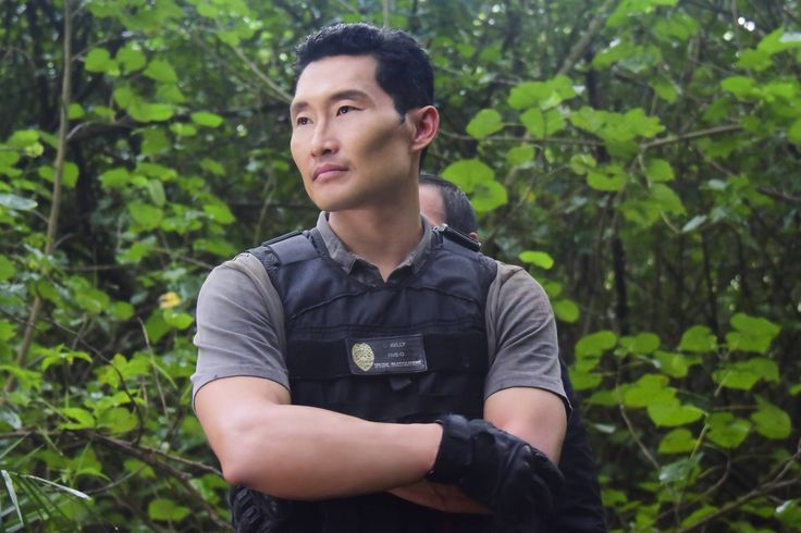 Daniel Dae Kim comes clean about his 'Hawaii Five-O' exit https://tmbw.news/daniel-dae-kim-comes-clean-about-his-hawaii-five-o-exit  Days after announcing that he would not return toHawaii Five-O ,Daniel Dae Kim is addressing the decision that led him and co-star Grace Park to leave the show.In a lengthy post on his Facebook page, Kim publicly revealed that he wanted to return forHawaii Five-O'supcoming eighth season, but after asking for salary parity with co-stars Alex O'Loughlin and…