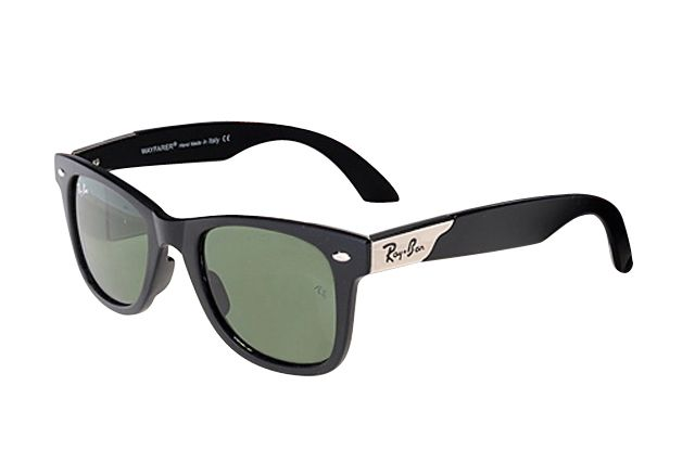 #Rayban #Sunglasses Fashion! Love Ray Ban Wayfarer RB2132 Sunglasses Black Frame Green Lens, And You Just Should Take Them With You.