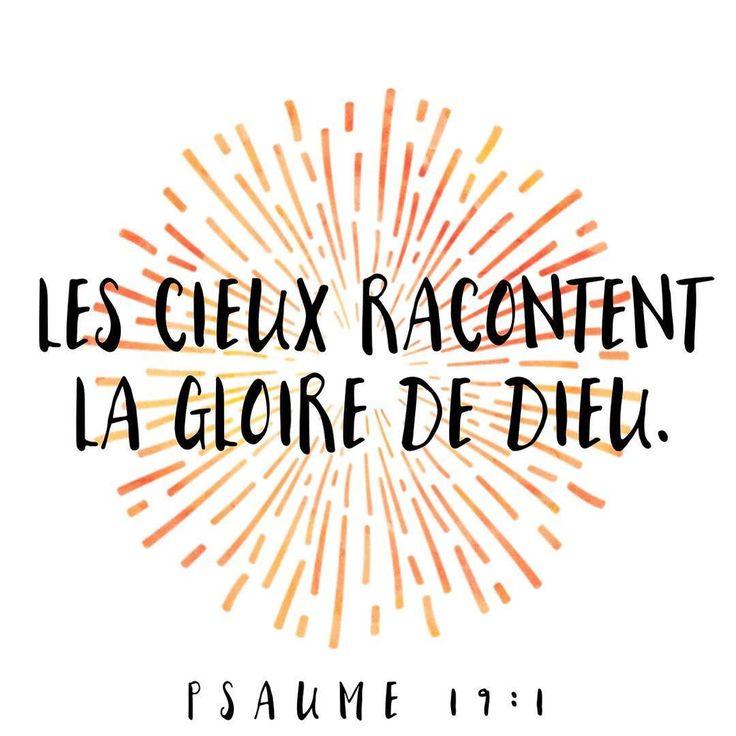 La Bible - Verset illustré - Psaume 19:1 - Les cieux racontent la gloire de Dieu.
