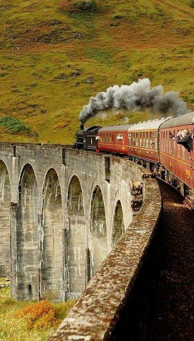 Glenfinnan Viaduct / Harry Potter's Bridge