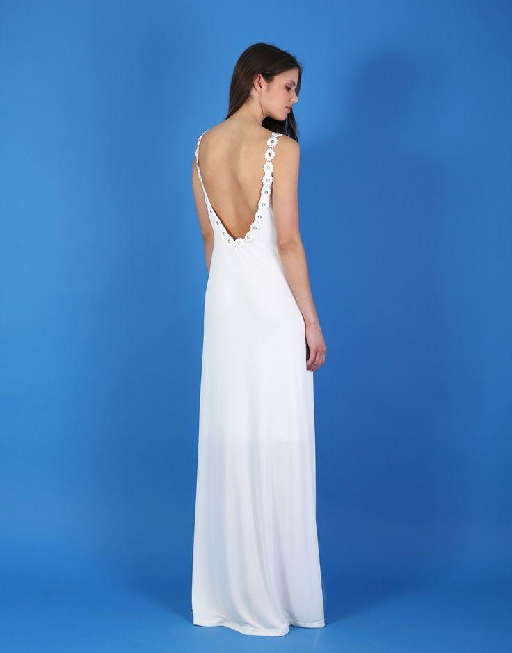 FASHION QUEEN LOVES   Οδηγός Αγοράς: 10 λευκά φορέματα... που δεν είναι για γάμο! White και off-white επιλογές αν δεν σκοπεύεις να ντυθείς νυφούλα.