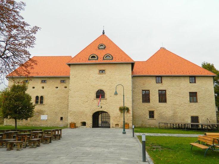 Fotó itt: Szerencs, Rákóczi-várkastély - Google Fotók