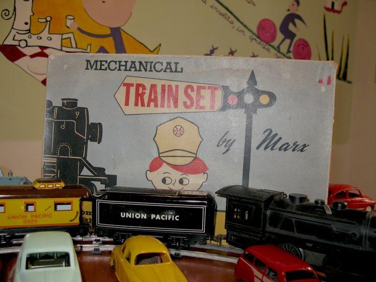 Mostra di macchinine d'epoca. Train set.