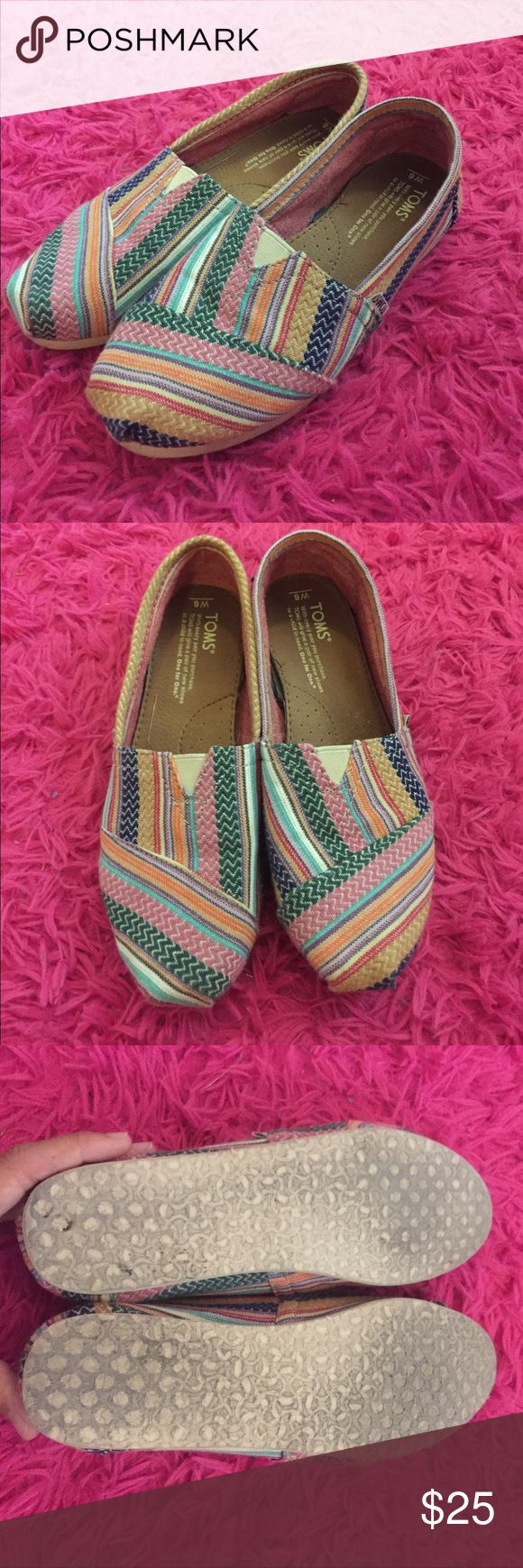 Colorful toms Only worn once super cute and colorful with almost no signs of wear! Make offers and bundle for discounts 💕 Toms Shoes