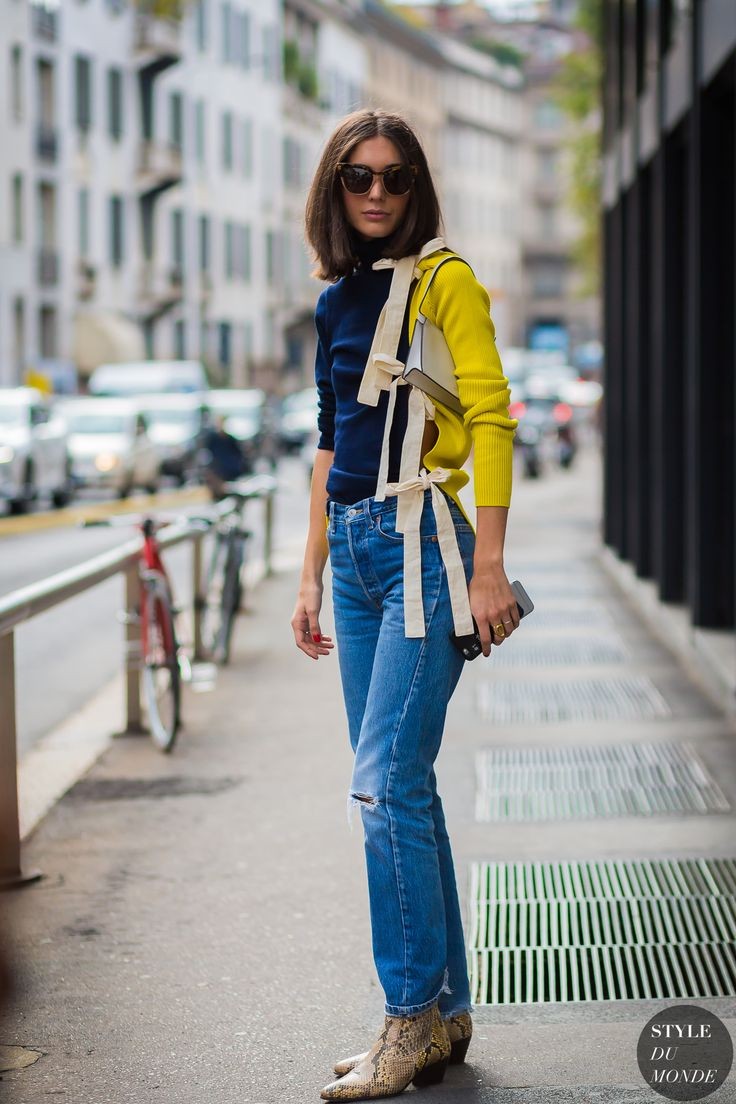 Diletta Bonaiuti wearing Jacquemus top and Levis jeans between the fashion shows.