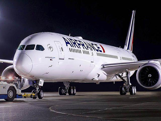 Air France : le Dreamliner arrive, Guy Martin s'envole