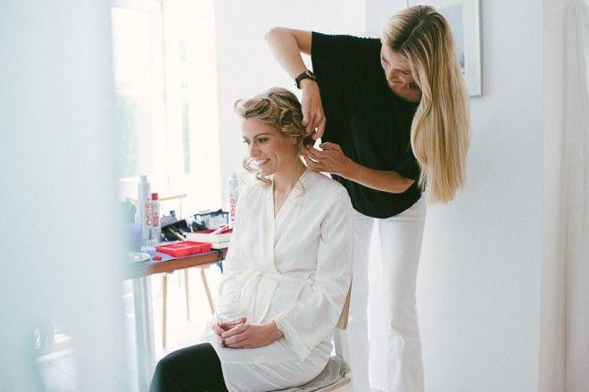 Haare, Make-up, Brautstyling. Wie man seinen Look findet, welche Trends es gibt und was es kostet.
