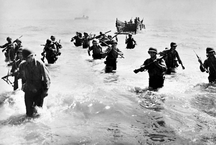 This photo was taken in October 1944 in the Philippines. It shows American soldiers landing on the island of Leyte in the battle against the Japanese. The Americans have successfully landing under the command of General MacArthur, and defeated the Japanese Navy.  © AFP