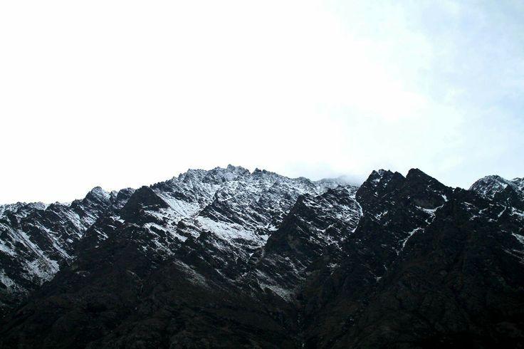 Snowy Moutain tops #snow #moutains #pretty #nature #adventure #queenstown #nz #newzealand
