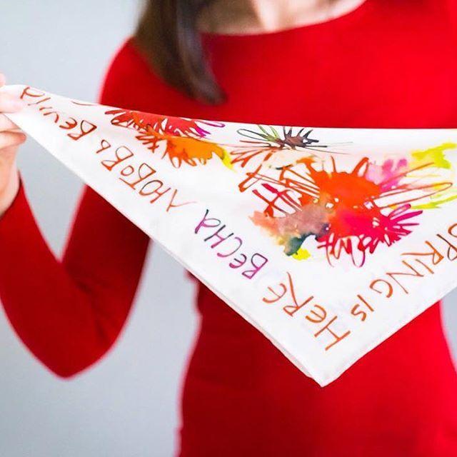Silk-scarf-calligraphy-accessories-fashion-red-каллиграфия-платок-подарок-gift-красный