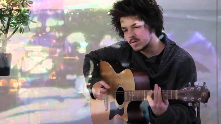 This song is crazy sensuality, and WILL BE MY #SUMMERsong2014  ***** Milky Chance - Stolen Dance (Album Version)
