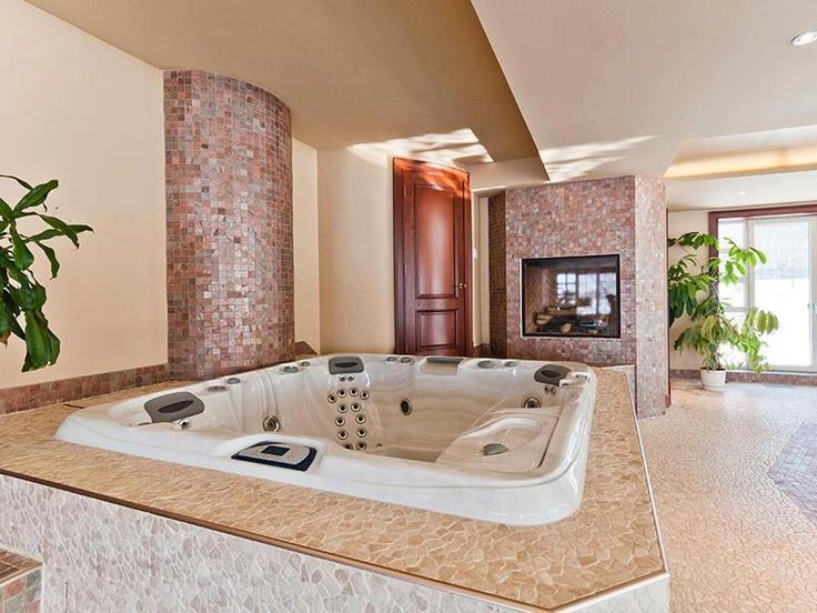 17 best Indoor jacuzzi images on Pinterest   Bathroom ideas ...
