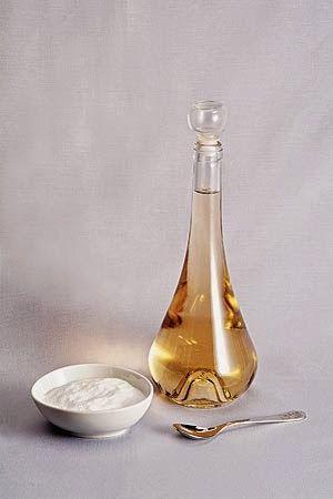 Vivere Verde: Come sfruttare la miscela aceto+bicarbonato per le pulizie e per il bucato.