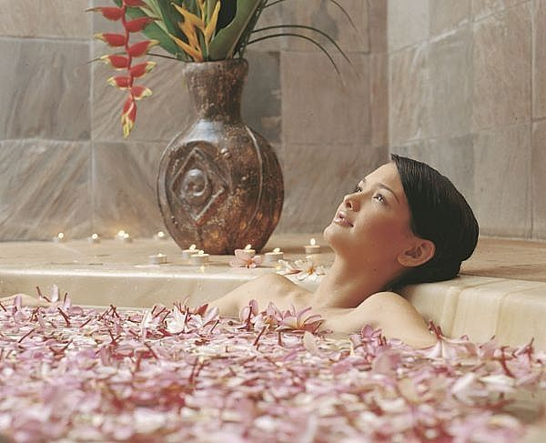 A bath full of petals! (petals not a prerequisite for relaxation!)