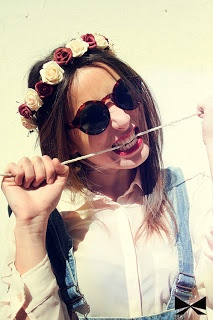 http://rupertareche.blogspot.com.es/2013/04/corona-floral-de-rosas.html