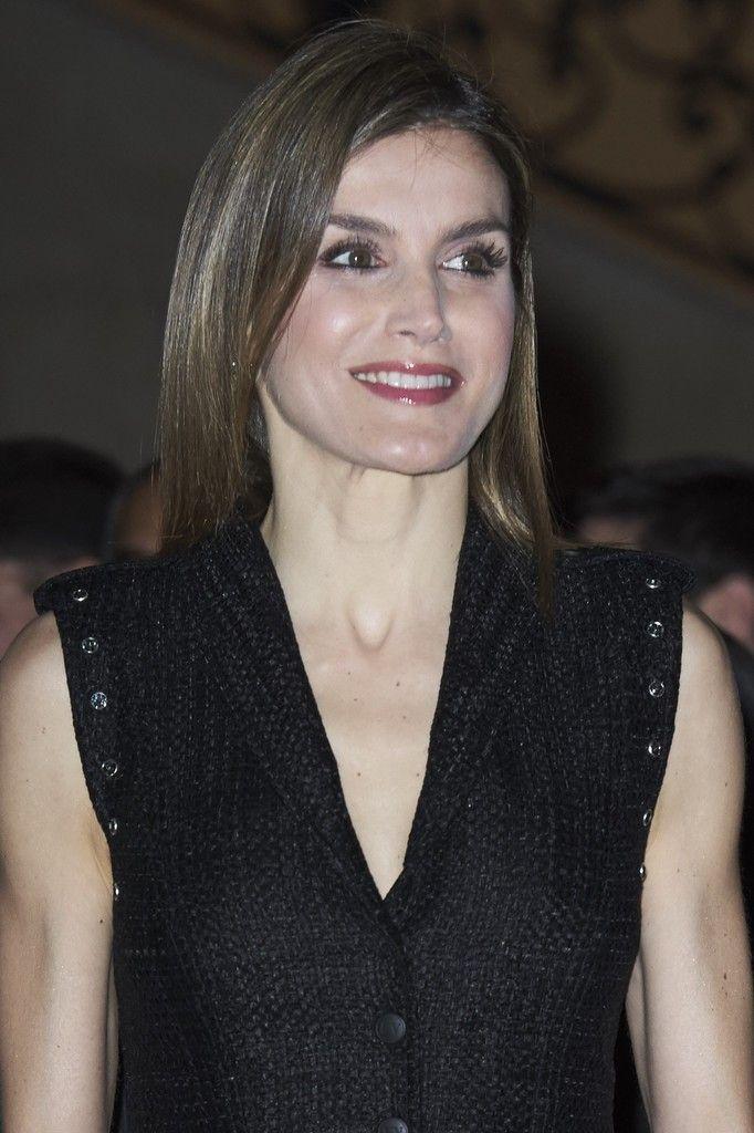 """Queen Letizia of Spain attended the """"Gran Angular"""" and """"El Barco De Vapor"""" literature awards at Casa de Correos in Madrid"""