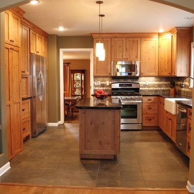 Honey oak trim design pictures remodel decor and ideas for Floor and decor kitchen cabinets