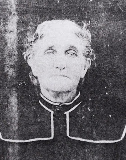 Moments in Time, A Genealogy Blog: Fridays Photo: Georgia Ann Frances Bryan - Another photo and more of her story.