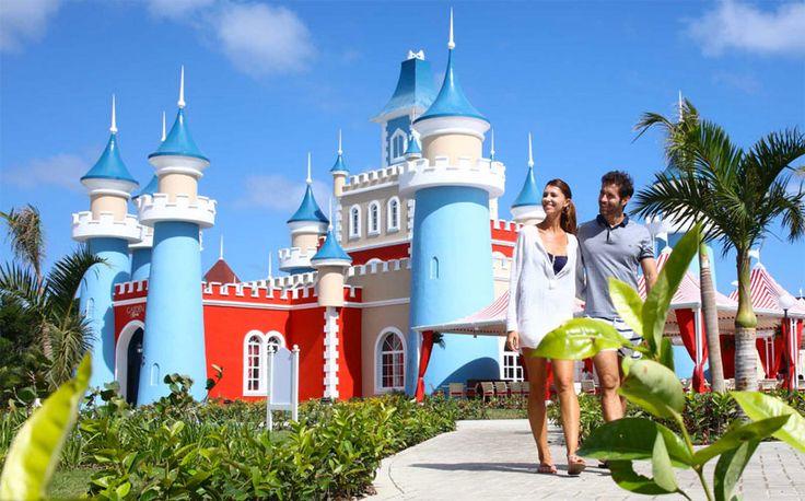 Hotel Luxury Bahia Principe Fantasia todo incluido y con parque acuático en República Dominicana