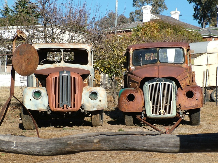 These two are at Sofala, not Lightning Ridge but we have included them in the collection