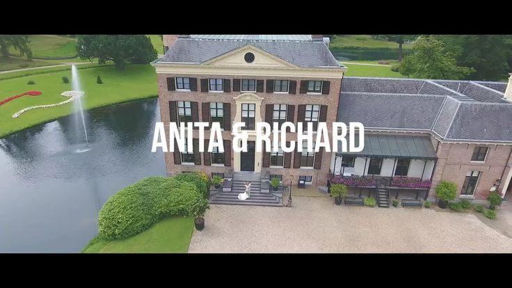 """Op een te gekke locatie, omring door de meest belangrijke mensen in hun leven hebben Anita & Richard """"JA!! HEEL GRAAG!!"""" tegen elkaar gezegd. Geniet…"""