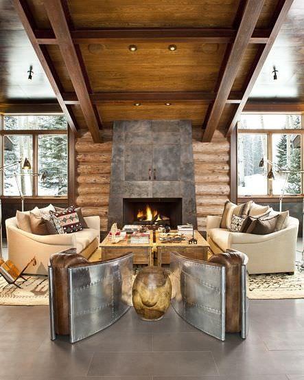 Bild Einer Wohnzimmer Akzent Wand, Wo Der Kamin Das Herzstück Von Naturholz  Umgeben Ist,