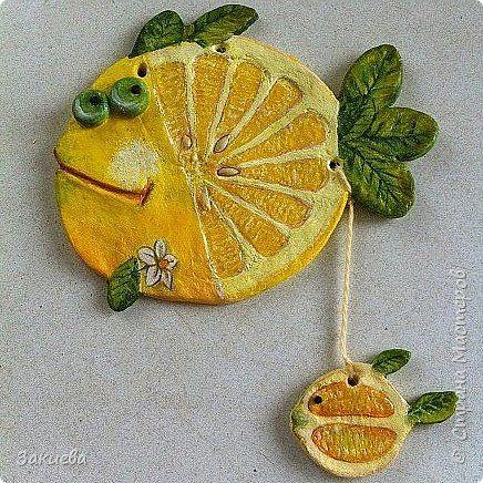 Здравствуй, Страна!  В  твоей рыбьей стае прибавление. А у меня это вторая. В  кулинарии, известно, что рыба любит лимон. Вот и появилась рыбка-лимон с деткой.   фото 1