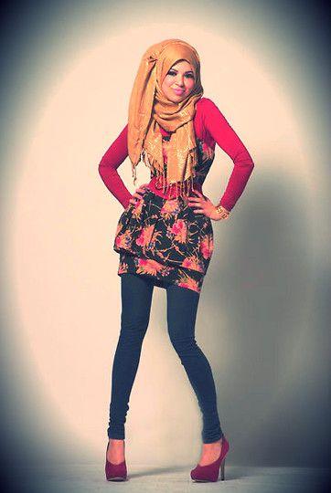 Hijab. H&M Beige Scarf, Zara Red Polo Top, Dorothy Perkins Peplum Strapless Dree, Bik Bok Black Worn Out Jeggings, Oasis Red Suede & Patent Platforms