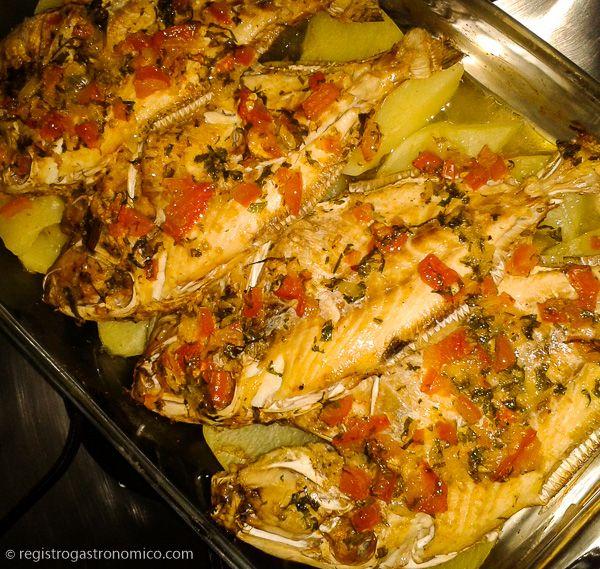 Embora seja apreciado por muitos, o peixe assado é um prato que diversas pessoas têm medo de preparar. Dentre os medos mais comuns dois sempre se destacam: o ponto da carne e o sabor forte delodo …
