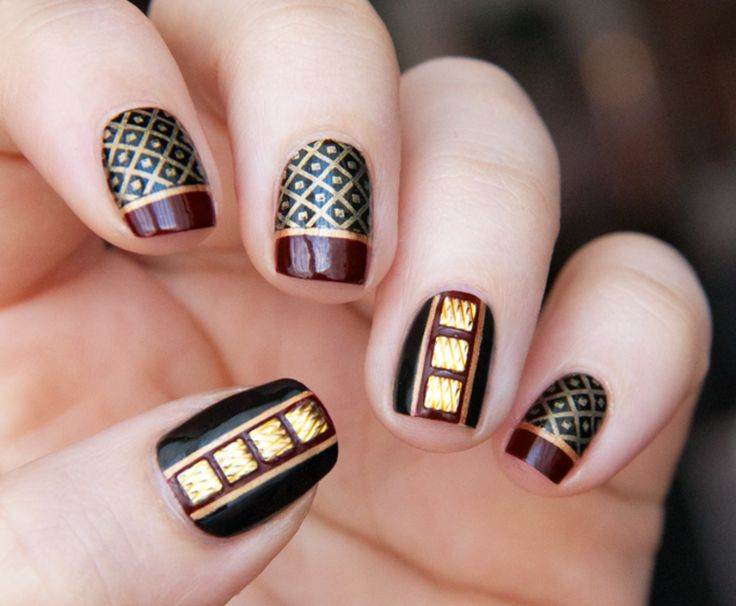 34 Classy Glitzy Gold Stud Nail Arts