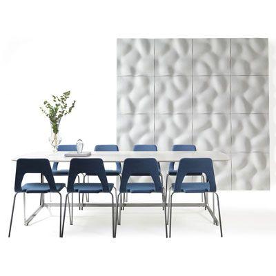 """Панели PEBBLE - шестая серия от дизайнера Йохана Линдстена  в ассортименте Johanson. """"Название и внешний вид акустические панели получили под вдохновением красивых каменных берегов. Благодаря своему минималистичному внешнему виду и органической форме, панели легко могут интегрироваться в любой интерьер и создать свое собственное представление,"""" - говорит Йохан Линдстéн."""