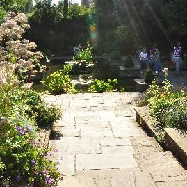 verschillende soorten verharde tuinpaden