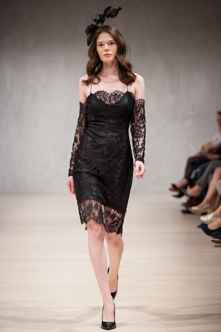 Nora Sarman / dress Cleopatra / headpiece Vecsei Millinery