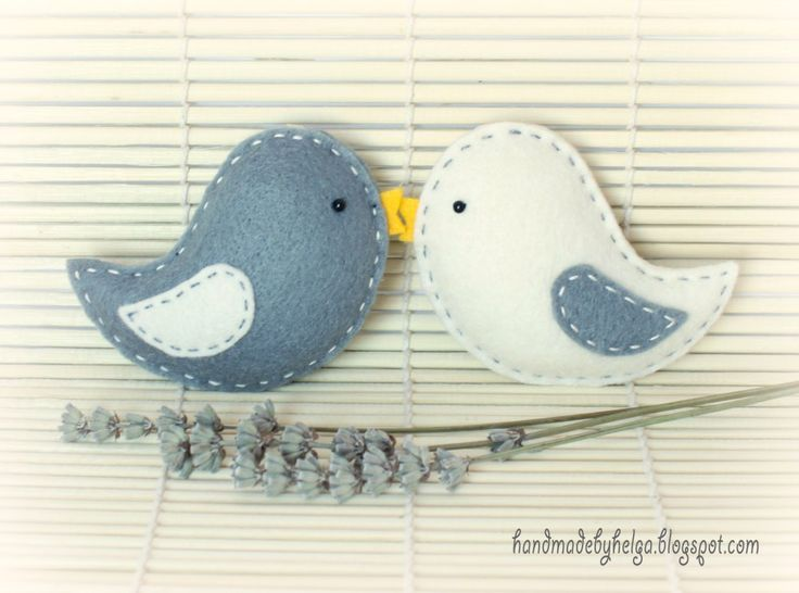 Handmade by Helga: Four sets of felt birds