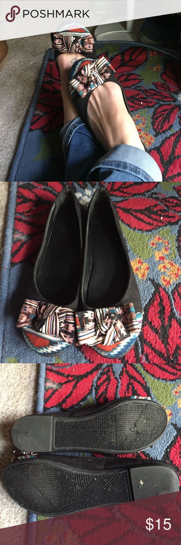 Aztec flats Gorgeous Aztec flats. I absolutely love these, they're just a tad too small for me :( so cute and go with most everything! Hardly used, in great condition Route 66 Shoes Flats & Loafers