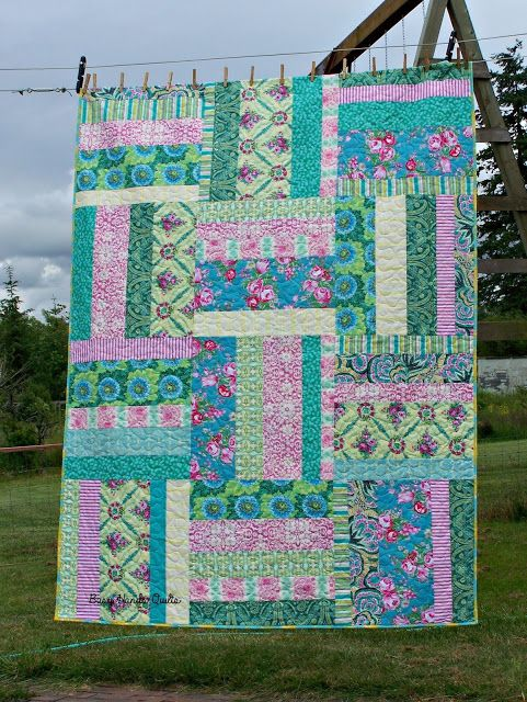 Busy Hands Quilts: Hands 2 Help Lap Quilt