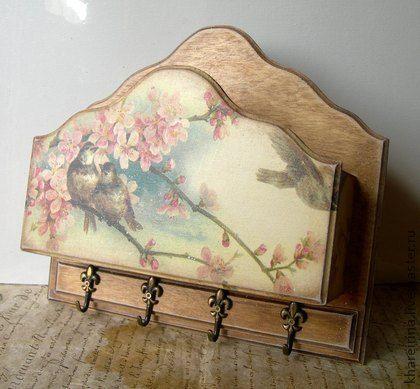 Ключница `Весна`. Ключница-кармашек с 4 металическими крючками декорирована в…