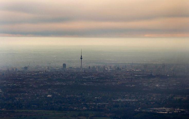 Berlin von oben - Stadtzentrum mit der Skyline im Innenstadtbereich in Berlin, Deutschland