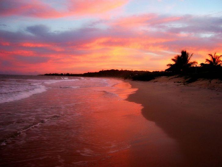 Dá para resistir a esse pôr do sol na Praia dos Nativos, em Trancoso?