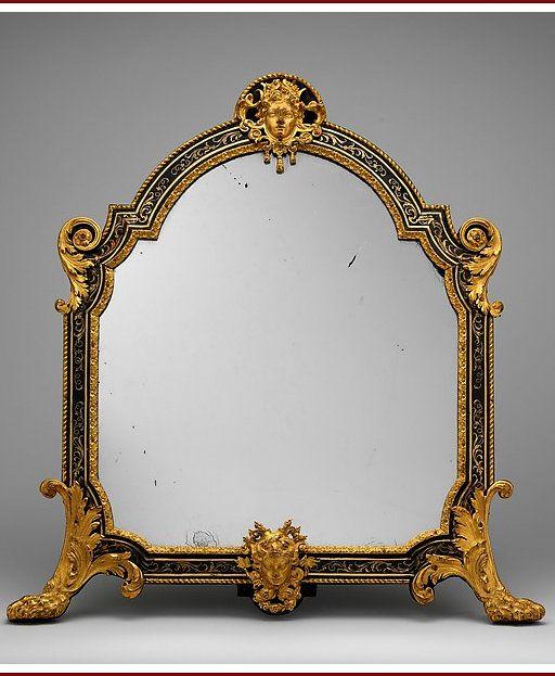 le mirroire de Madame Marsollier Écaille de tortue,  laiton gravée, bois de violette, amarante, bois satiné, bois d'ébène,  bronze et  miroir, dimension : 69,8 x 67,3 x 7,6 cm