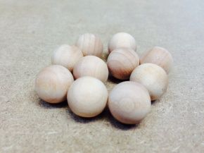 Wooden Craft Balls 2.5cm. We love these little fellas, they're so smooth! Steve :-)