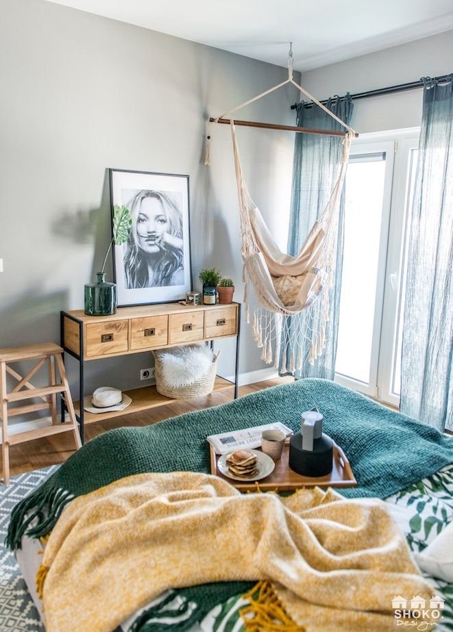 Colorful eclectic boho bedroom