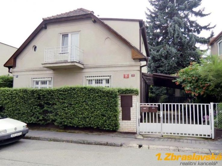 Prodej rodinného domu 227m², Fuchsova, Praha 5 - Zbraslav • Sreality.cz