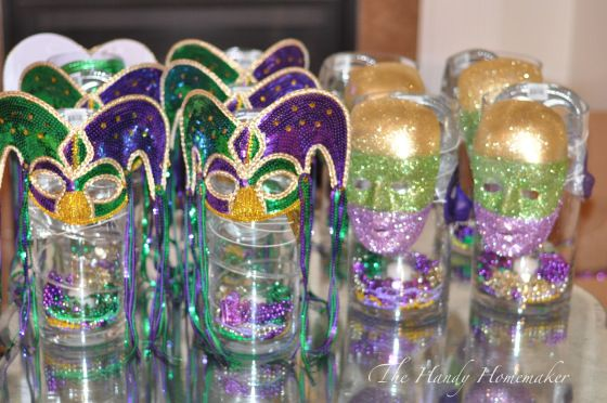 Mardi Gras Mascarade Party Centerpiece ideas