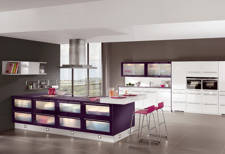 Lila kuche von nobilia purple kitchen by nobilia for Küche lila