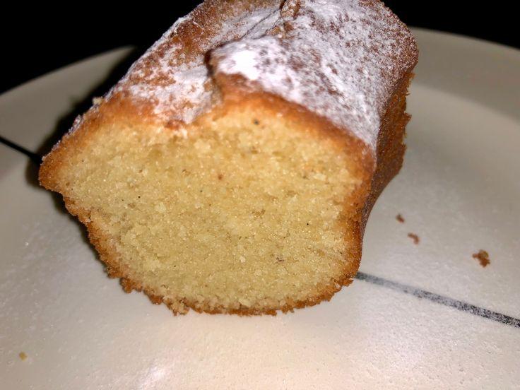 Dit is een eenvoudige botercake met rumsmaak die ik voor een paar weken gemaakt heb. Met de smaakaroma´s kan je variëren, probeer eventueel ook eens vanille of amandel. Ingrediënten: 350 gram bloem…