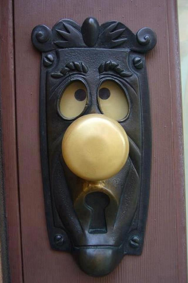 Alice in Wonderland door knob. Love this!