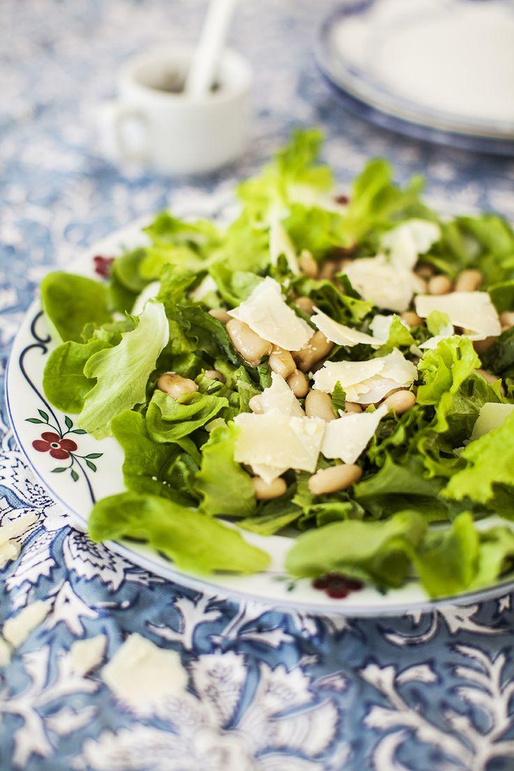 Grönsallad med gräslök och vita bönor: http://martha.fi/sv/radgivning/recept/view-93381-5764